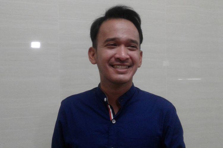 Ruben Onsu diabadikan di kawasan Kebon Jeruk, Jakarta Barat, Rabu (22/3/2017)