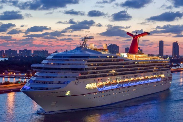 Ilustrasi kapal pesiar Carnival Victory Cruise.