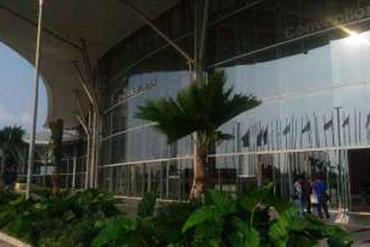 Area luar Indonesia Convention Exhibition (ICE), Selasa (10/5/2016)