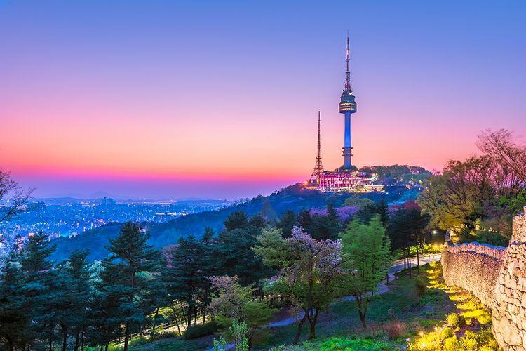 Ilustrasi Namsan Tower di Korea Selatan.