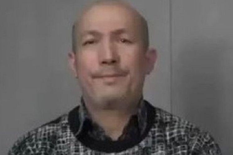Abdurehim Heyit dalam video yang dirilis China bertanggal 10 Februari 2019. Heyit merupakan musisi Muslim Uighur yang dikabarkan tewas di kamp penahanan.