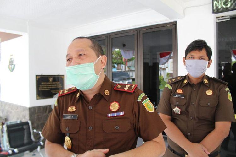 Kepala Kejaksaan Negeri (Kejari) Jombang, Yulius Sigit Kristanto, saat dikonfirmasi terkait tahanan kejaksaan yang dinyatakan positif Covid-19, Senin (3/8/2020).