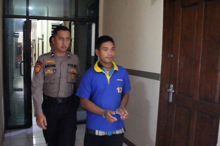 Aripin (28), warga Desa Kalimaro, Kecamatan Kedungjati, Kabupaten Grobogan, Jawa Tengah saat di Mapolres Grobogan, Selasa (25/6/2019)
