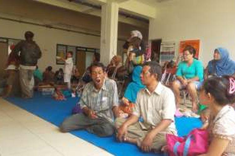 Sejumlah warga Kalijodo saat pertama kali tiba di Rusunawa Pulogebang, Jakarta Timur, Senin (22/2/2016).