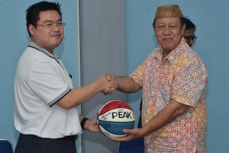 Peak Indonesia apresiasi prestasi NSH Jakarta pada IBL 2018-2019 dan musim berikutnya.