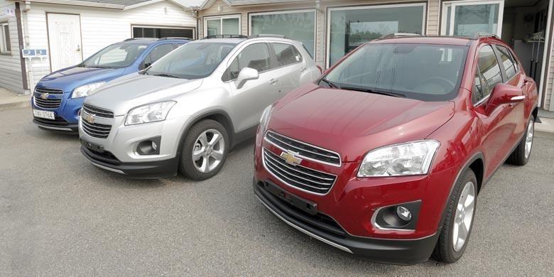 Tiga dari lima unit Chevrolet Trax setir kiri yang disiapkan untuk tes.