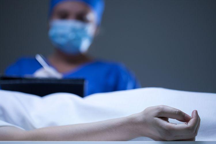 Ilustrasi otopsi jenazah.