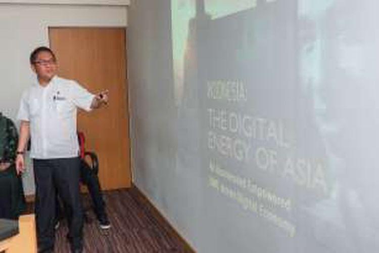 Menteri Komunikasi dan Informatika Rudiantara ketika menyampaikan presentasi dalam kunjungan ke redaksi Kompas.com, Kamis (17/3/2016)