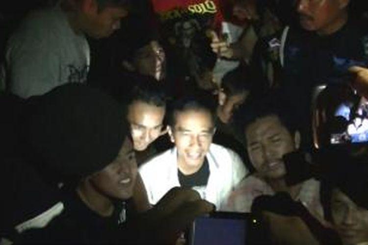 Jokowi saat di Rock in Solo 2013 di Kotabarat, Sabtu (2/11/2013).