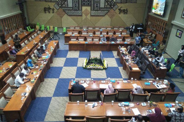 Audiensi Komisi IX DPR dengan Bupati, Ketua DPRD, dan Tokoh Masyarakat Natuna di Kompleks Parlemen, Senayan, Jakarta, Selasa (4/2/2020)