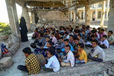 Saat Anak-anak Yaman Belajar di antara Reruntuhan Bangunan Sekolah