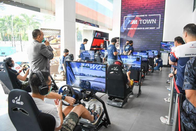 BMW Indonesia bersama komunitas MOCI menyelenggarakan balap virtual di diler BMW Eurokars.