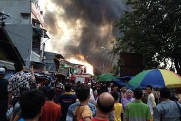 Kebakaran di Tanah Abang, Jakarta Pusat, Kamis (5/3/2015).