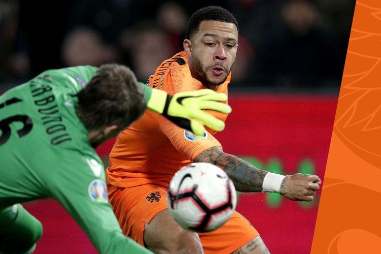 Memphis Depay mencetak gol pada pertandingan Belanda vs Belarus dalam babak kualifikasi Piala Eropa 2020 di Stadion De Kuip, 21 Maret 2019.