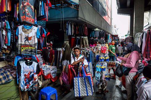 Berdesakan di Pasar Tanah Abang, Zona Merah Covid-19 di Jakarta...
