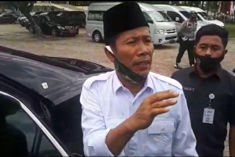 Ketua DPRD Riau Indra Gunawan Eet saat diwawancarai wartawan di Pekanbaru, Riau, soal kehebohan penggunaan helikopter BNPB untuk kepentingan politik, Selasa (25/8/2020).