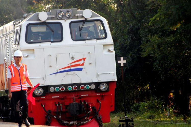 Kereta Api Siliwangi saat ini mulai melayani jalur Ciranjang-Cianjur yang terintegrasi dengan Sukabumi dengan harga tiket tetap, Rp3 ribu untuk semua tujuan.