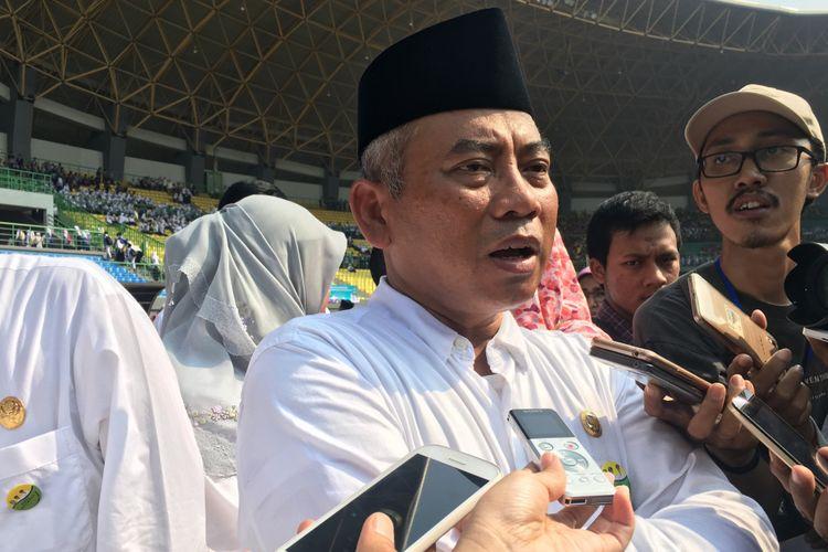 Wali Kota Bekasi Rahmat Effendi dalam acara peringatan Harkitnas di Stadion Patriot Candrabhaga Kota Bekasi, Rabu (24/5/2017).