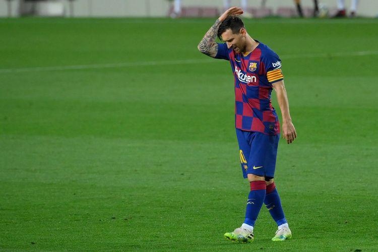 Ekspresi Lionel Messi dalam laga Barcelona vs Osasuna dalam pentas Liga Spanyol pekan ke-37 di Camp Nou, Jumat (17/7/2020).
