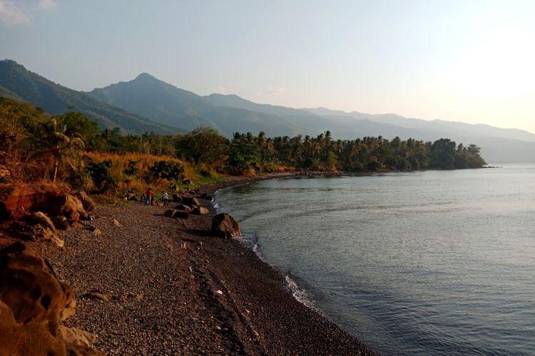 Pantai Kawaliwu di Kelurahan Riangkotek, Kecamatan Lewo Lema, Flores Timur, Nusa Tenggara Timur, Kamis (11/10/2018).
