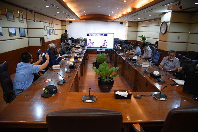Jalannya Rapat Virtual Antara Timwas Penanganan Covid-19 DPR RI dengan Anies Baswedan.