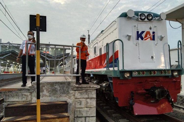 PT KAI (Persero) operasikan kembali KA Lokal Daop 1 Jakarta mulai 22 September 2021.