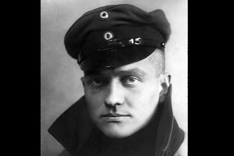 Manfred von Richtofen alias Red Baron, penerbang legendaris Jerman yang gugur di Perang Dunia I.