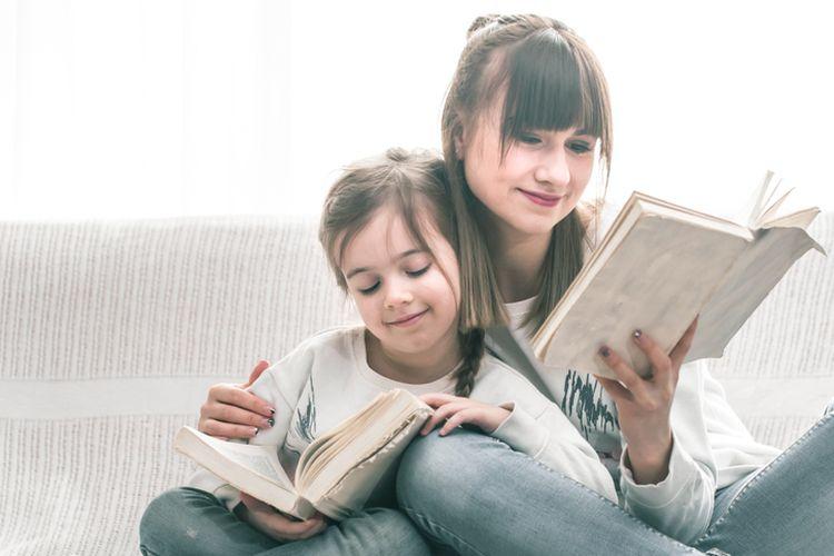 Ilustrasi membaca buku.