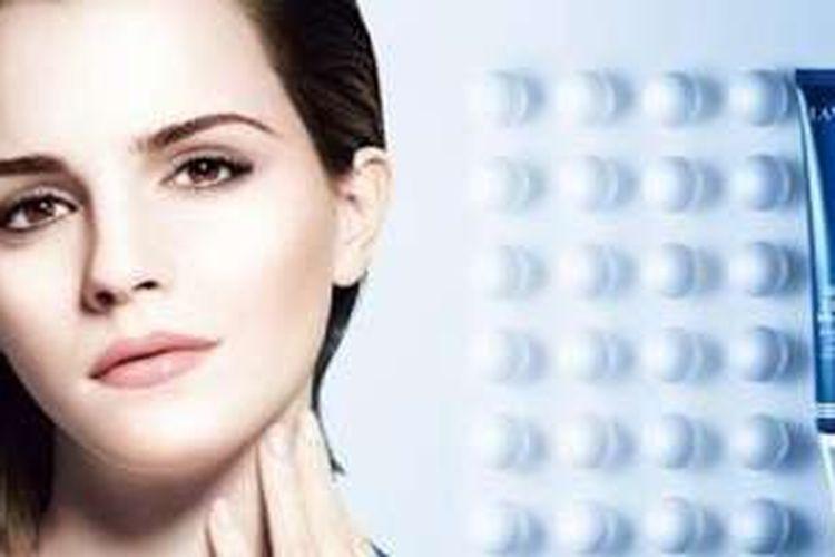 Iklan Emma Watson di masa lalu yang dianggap tidak merefleksikan seorang wanita feminis.