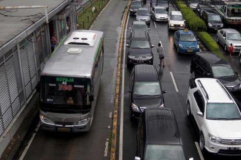Dishub DKI Setujui Usulan Denda Rp 1 Juta bagi Penerobos Jalur Transjakarta