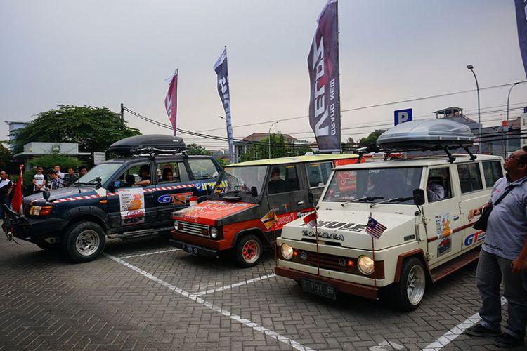 Tim Independent Day Journey Toyota Kijang dan Avanza setelah kembali dari perjalanan tiga negara