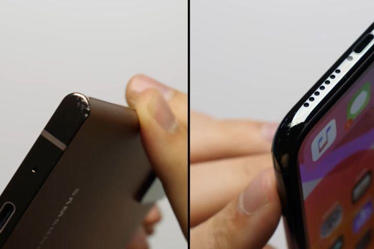 Bagian ujung Galaxy Note 20 Ultra yang terkikis (kiri) dan iPhone 11 Pro Max yang tergores (kanan)