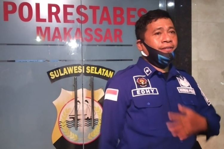 Kasubag Humas Polrestabes Makassar Kompol Supriady Idrus saat diwawancara wartawan di Polrestabes Makassar, Jumat (17/6/2020).