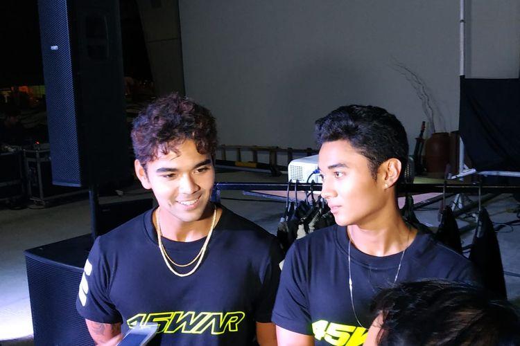 Dua atlet jetski Indonesia, Aero Sutan Aswar dan Aqsa Sutan Aswar.