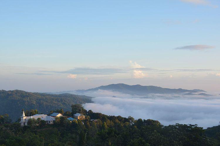 Keindahan embun pagi di Lembah Wajur, Desa Wajur, Kecamatan Kuwus Barat, Flores, NTT, Selasa, (2/7/2019). Ini merupakan salah satu destinasi baru kawasan hamente Kolang.