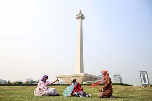 Ironi Emas di Monas: Sumbangan, Ambisi Soekarno, dan Pemborosan