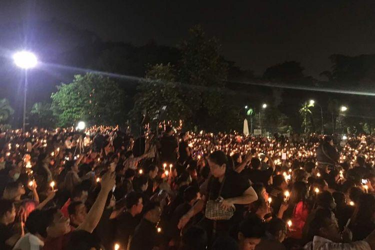 Malam solidaritas pendukung Basuki Tjahaja Purnama (Ahok) di Tugu Proklamasi, Jakarta Pusat, Rabu (10/5/2017).