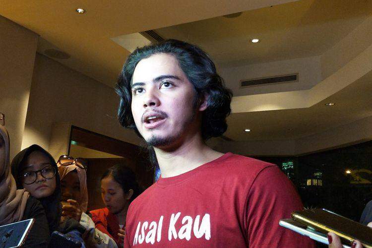 Artis peran Aliando Syarie saat ditemui di peluncuran poster dan trailer film Asal Kau Bahagia di XXI Epicentrum, Jakarta Selatan, Jumat (2/11/2018).