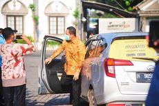 Peringati Hari Transportasi Umum Kota Semarang, Walkot Hendi Berangkat Kerja Naik Taksi Online