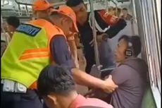 Viral Video Penumpang Merokok di KRL, PT KCI Sebut Itu Terjadi di Rute Tanah Abang-Rangkasbitung