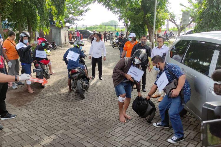 Pra rekonstruksi perampokan di Jalan Krakatau VIII, Kelurahan Karangtempel,SemarangTimur