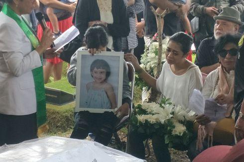 Pesan Karen Pooroe Sebelum Anaknya Dikuburkan: Anak Saya, Hati-hati, Pak