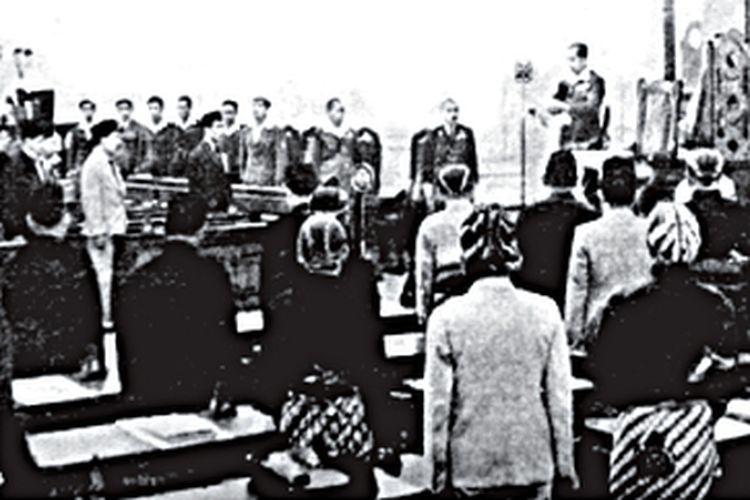 Sidang pertama BPUPKI pada 29 Mei 1945 di Gedung Chuo Sangi In di Jalan Pejambon 6, Jakarta yang Sekarang menjadi Gedung Pancasila.