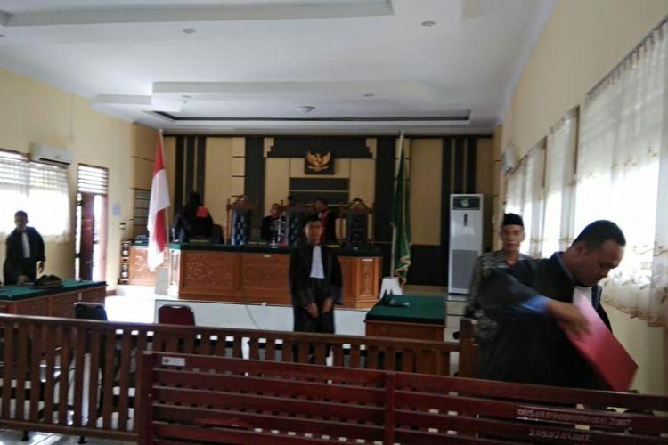 Sidang vonis terdakwa money politics di Pengadilan Rengat, Inhu, Riau, Senin (23/7/2018).