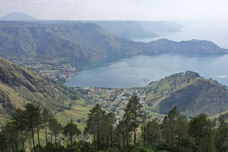 Foto dirilis Jumat (5/3/2021), memperlihatkan foto aerial kawasan wisata Simalem di Silahisabungan, Dairi, Sumatera Utara. Pemerintah Indonesia saat ini tengah menyiapkan Danau Toba di Sumatera Utara sebagai lokasi Destinasi Pariwisata Super Prioritas (DPSP) untuk menggantikan Pulau Bali.