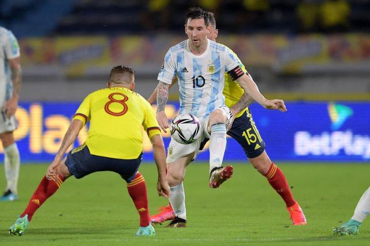 Aksi Lionel Messi pada laga Kualifikasi Piala Dunia 2022 Zona Amerika Selatan, Kolombia vs Argentina, di Estadio Metropolitano Roberto Melendez, Kamis (9/6/2021).