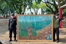 Protes Rencana Kenaikan Cukai Rokok, Buruh Serahkan Lukisan ke Jokowi