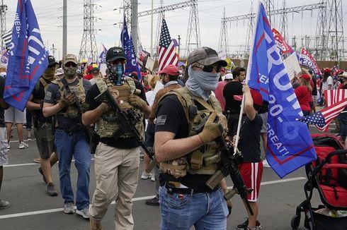 Demonstran Bersenjata Tampak di Luar Pusat Penghitungan Suara Pilpres AS