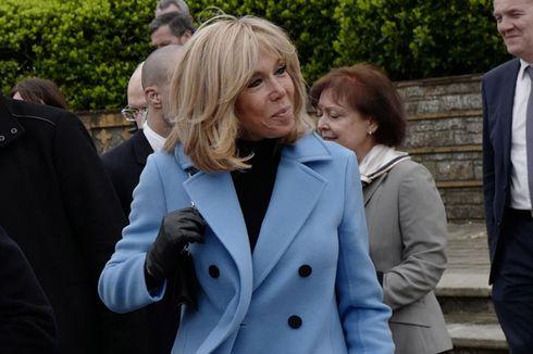 Ibu Negara Perancis Tampil Kasual dengan Bot dan Skinny Jeans...