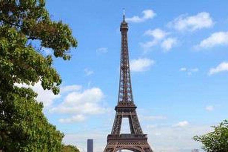 Menara Eiffel, ikon Kota Paris, Prancis.